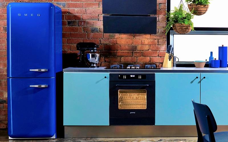 nevera vintage azul